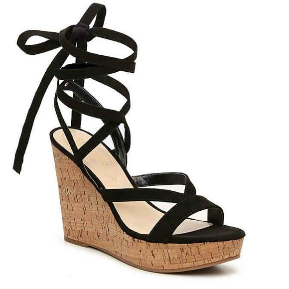 081ab3c692e9 Guess Shoes - GUESS black wedges